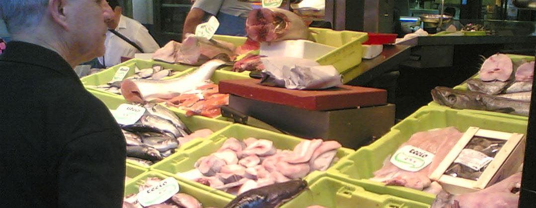 caja de plastico pescaderia