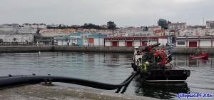 Botadura de lineas de mejillon con barco mejillonero