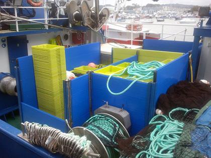 Cajonada de cubierta azul