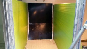 panas y panelado de pared en barco pesquero