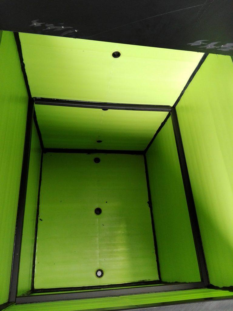 Interior de arcon plastico para alimentos