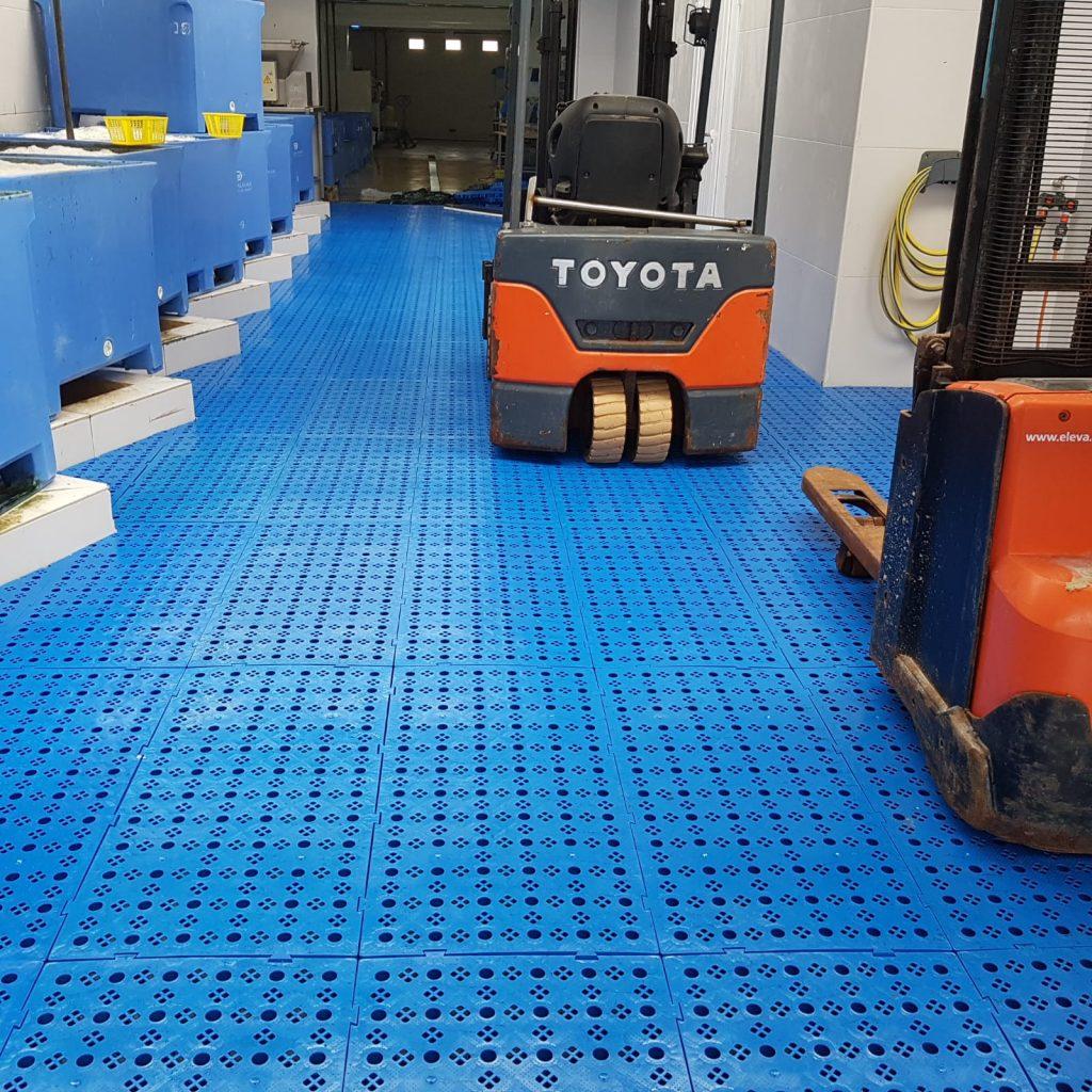 suelos industriales para paso de carretillas