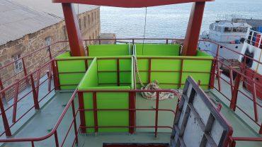 Tablas de cubierta en barco pesquero de arrastre